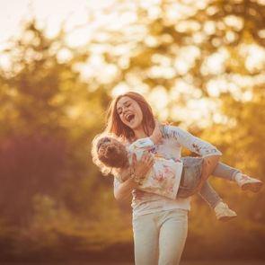 6 фраз, которые не стоит говорить «поздней» маме