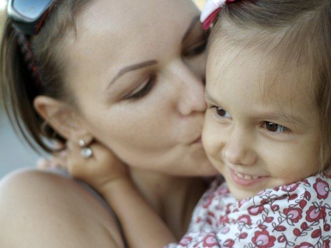 Больше всего дети капризничают с теми, кого любят