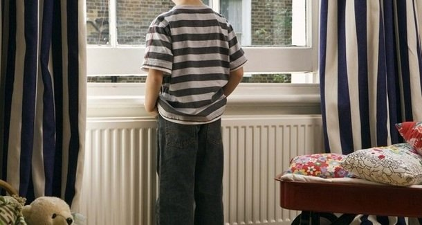 Почему ребёнок в 8 лет сильно потеет