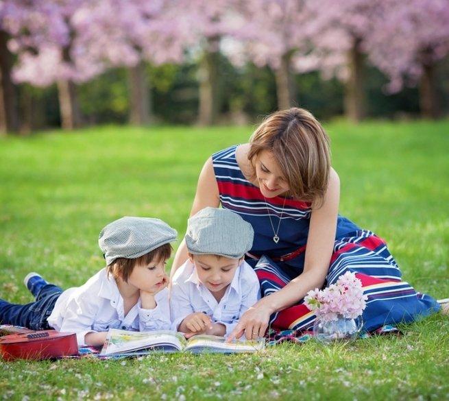 Время читать: 5 советов, которые помогут ребёнку подружиться с книгами