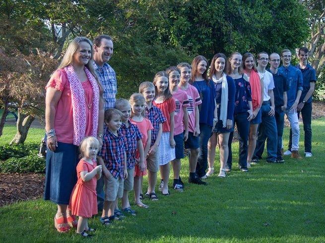 Австралийка родила 16 детей и хочет ещё