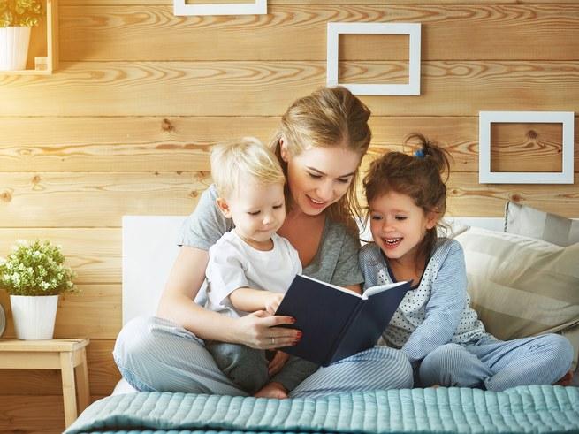 Нужны ли современным детям сказки? И если да, то какие?
