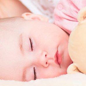 Плюсы и минусы совместного сна с ребёнком