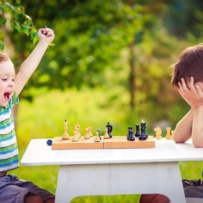 Как научить ребёнка проигрывать?