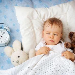 Как уложить ребёнка без груди: помощь уставшим мамам