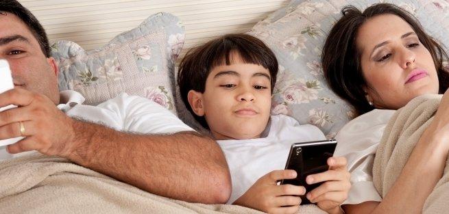 Мобильные телефоны – причина бессонницы