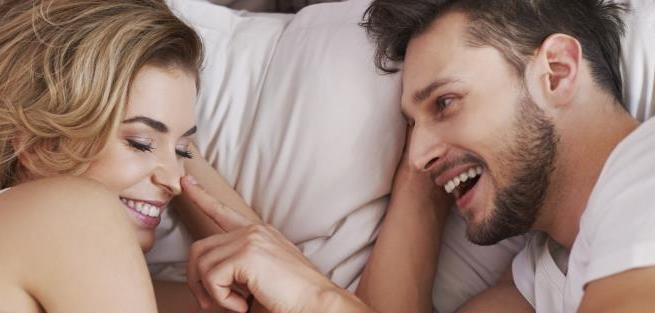 Пары предпочитают деньгам секс