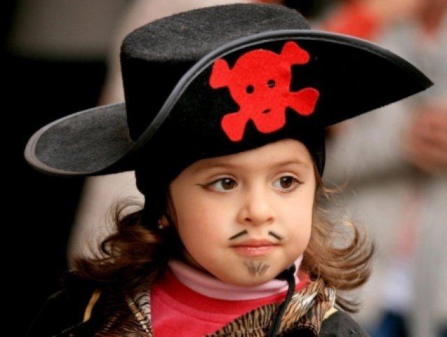 В Центре Мейерхольда научат делать пиратские шляпы