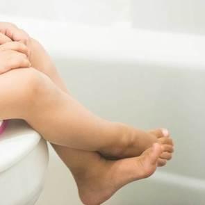 6 грубых родительских ошибок при детском запоре