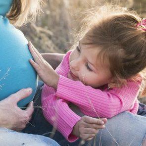 Мамин опыт: как пережить I триместр с маленьким ребенком