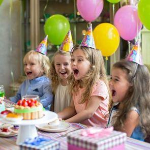 Как оригинально поздравить ребёнка с днём рождения
