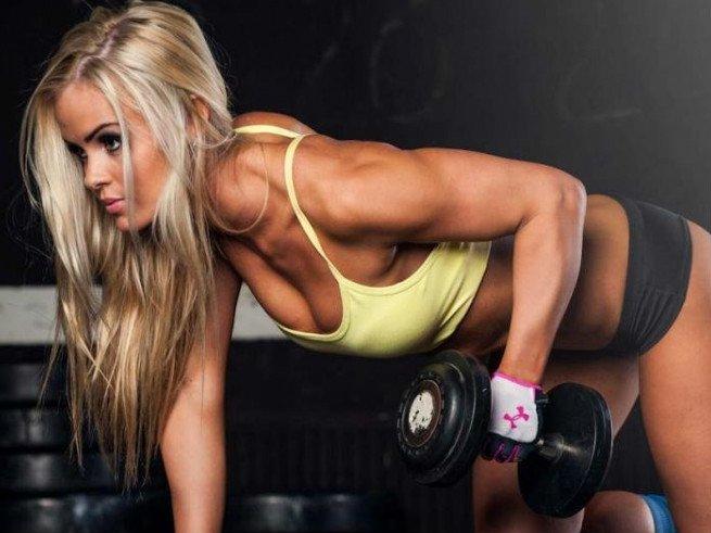 Упражнения для девушек: качаем грудные мышцы