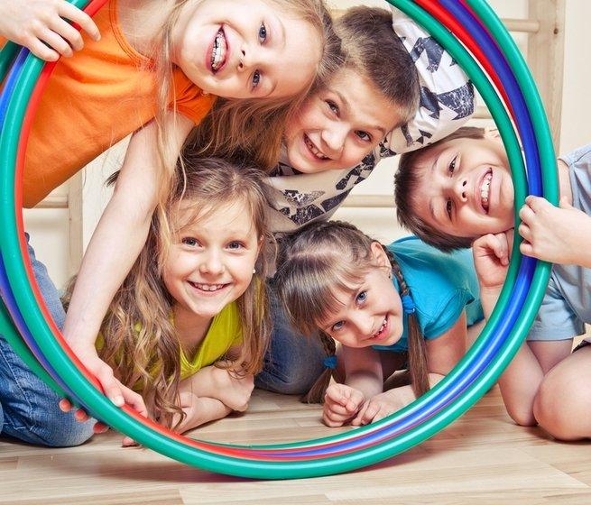 В движении: 15 подвижных игр для детей