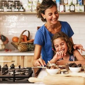 Больше нет сил готовить: 5 лайфхаков для кухни