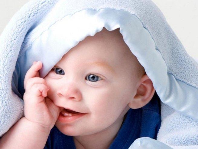 Нарыв на детском пальце: как помочь ребёнку