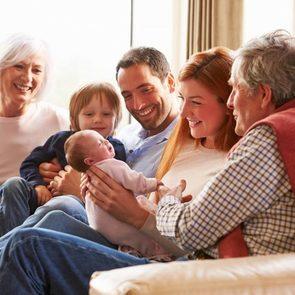Почему вам с детьми срочно нужно съехать от родителей: 6 причин