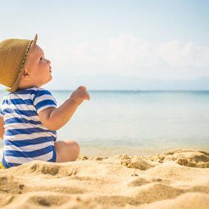 8 лайфхаков для пляжного отдыха с ребенком