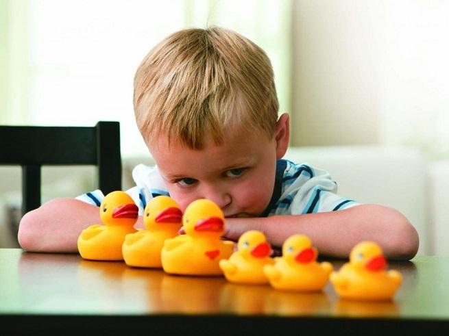 Признаки аутизма у детей 10 лет