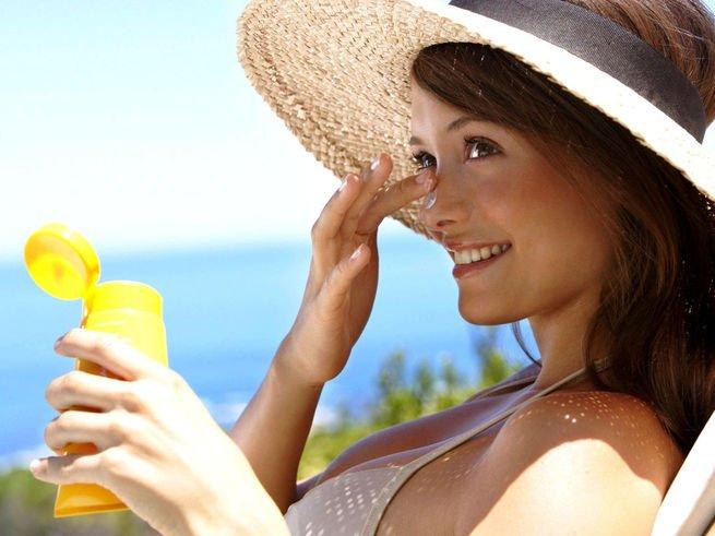 Солнцезащитные средства предотвращают появление меланомы
