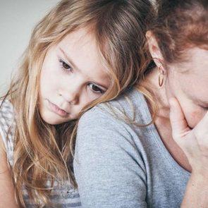 10 вещей, которые нервозные матери передают дочерям