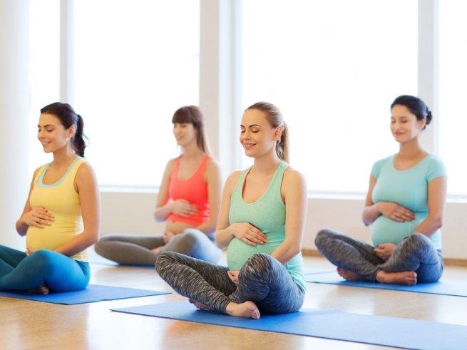 «Стихиаль» - курсы для беременных по Москве: активный отдых и приятная подготовка к родам