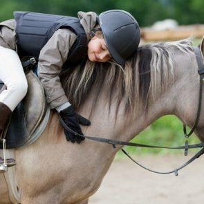 Кривые ноги, бешеные цены и другие мифы о детском конном спорте