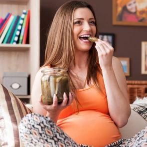 Самые вредные продукты при беременности: 4 «нельзя» для будущей мамы