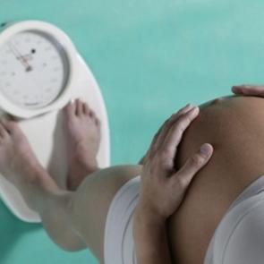 Учёные объяснили, как контролировать набор веса во время беременности