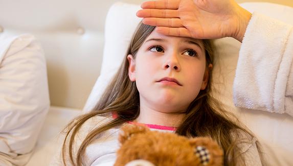 6 ошибок родителей при лечении простуды у ребенка