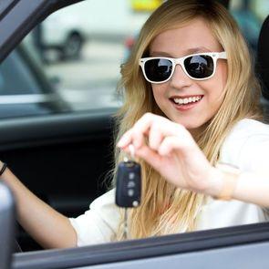 Детям до 18 лет разрешат водить машину