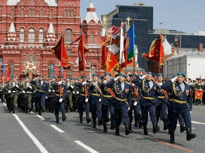 Парад Победы: что делать, если не пускают на Красную площадь