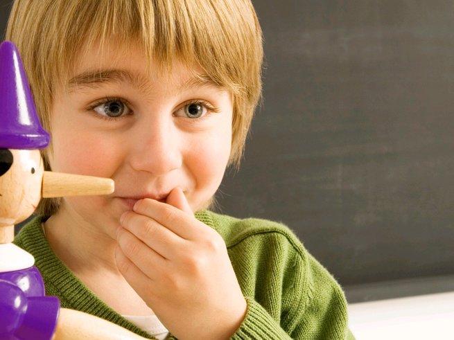 Дети, которые врут, умнее своих сверстников