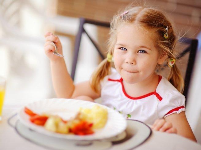 Общий стол для ребёнка: главные правила