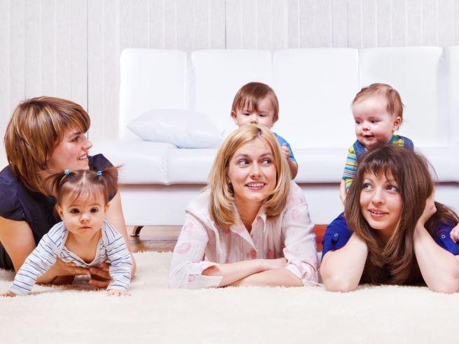 Любимые темы разговора у молодых мам