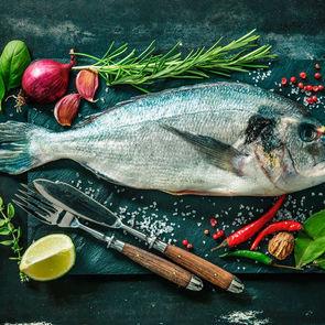 Ученые привели новый довод в пользу употребления рыбы во время беременности