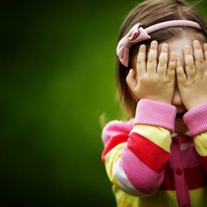 Воспитательницу детсада уволили за грубое обращение с детьми