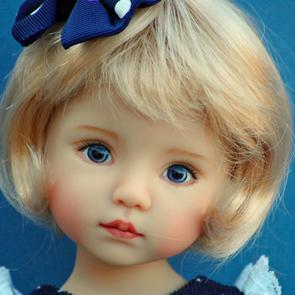 Художница создает куклы, делающие мир лучше