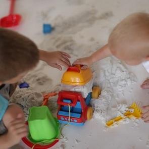 Домашняя песочница: как выбрать кинетический песок