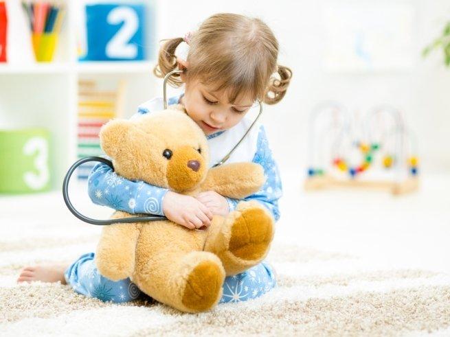 Как развлечь ребёнка во время болезни