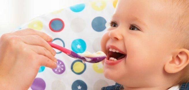 Сколько должен есть ребёнок: нормы от рождения до 5 лет