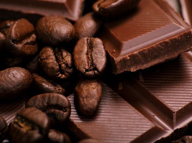 Желающим похудеть рекомендуют кофе, вино и шоколад