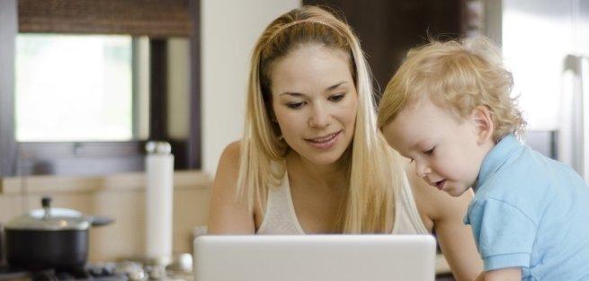 Стоит ли слушать советы на «мамских форумах»