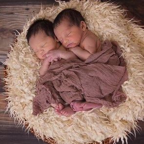 Женщина родила две пары близнецов подряд