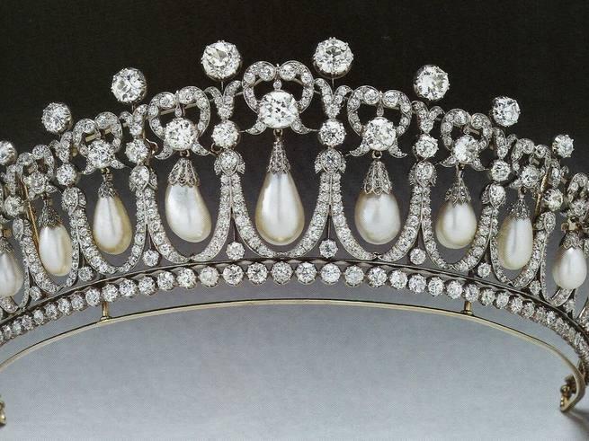 Кейт Миддлтон надела тиару принцессы Дианы, чтобы порадовать мужа