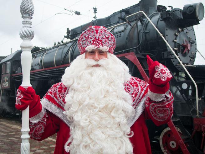 С вокзалов Москвы отправятся ретропоезда с Дедом Морозом