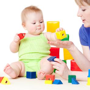 Ученые: чем меньше игрушек, тем лучше для ребенка