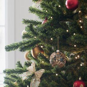 Роспотребнадзор рассказал, как выбирать новогоднюю елку