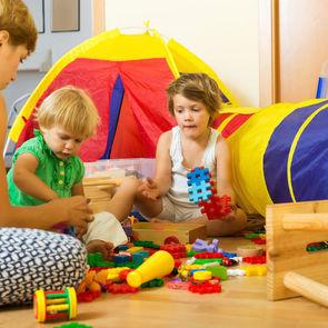 Эксперты назвали страну, где родители уделяют детям меньше всего времени