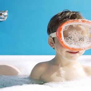10 игр с малышом во время купания