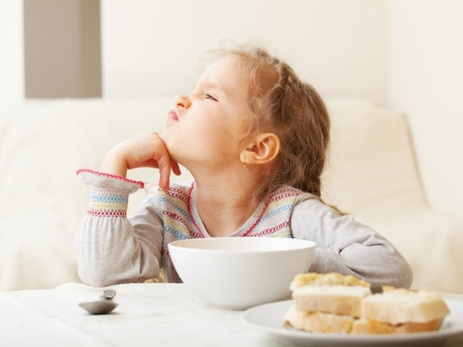 За столом: как накормить «нехочуху»